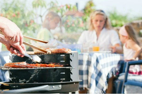 Quoi de plus convivial qu un barbecue entre amis ou en famille o18095